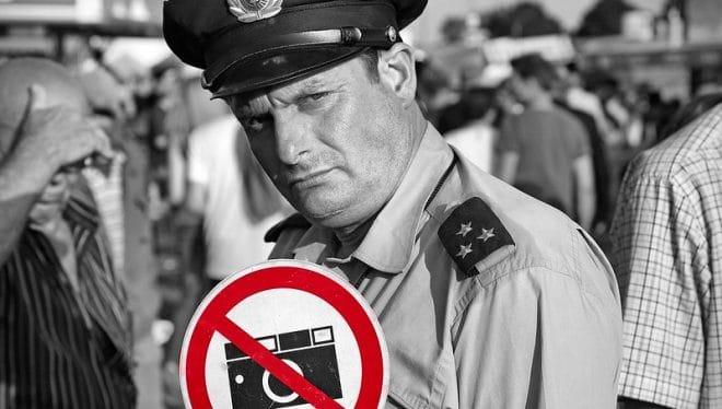 Interdire les photos de policiers